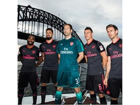 17AW_PR_TS_Football_Arsenal_StepOut-Sydney_2