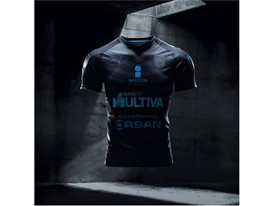 17AW_Social_IG_TS_PUMAFootball_Step-Out_xShirt-Only-Queretaro