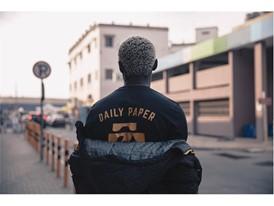 17AW_SP_Select_DailyPaper_Ghana_Model_16