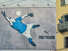 Buffon and the graffiti mural in Turin