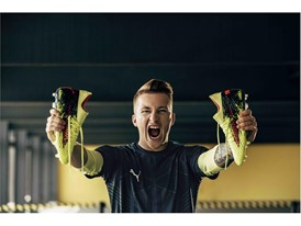 18SS_CONSUMER_TS_Football_FUTURE_Q1_Portrait_Reus_0559