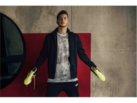 18SS_CONSUMER_TS_Football_FUTURE_Q1_Portrait_Reus_0986