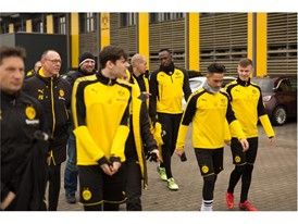 USAIN BOLT TRAINS WITH BORUSSIA