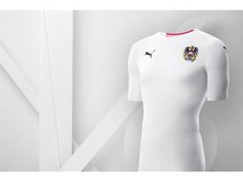 18SS_Consumer_TS_Football_WC_ALLWHITE_AUSTRIA_01
