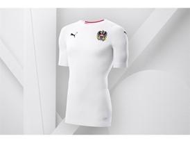 18SS_Consumer_TS_Football_WC_ALLWHITE_AUSTRIA_02