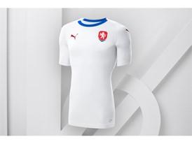 18SS_Consumer_TS_Football_WC_ALLWHITE_CZECHREP_01