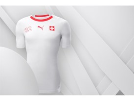 18SS_Consumer_TS_Football_WC_ALLWHITE_SWITZERLAND_02