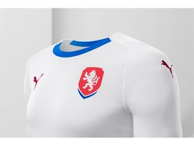 18SS_Consumer_TS_Football_WC_ALLWHITE_CZECHREP_DETAIL_02