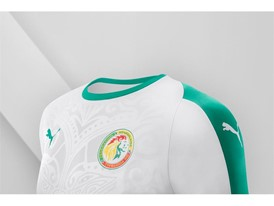 18SS_Consumer_TS_Football_WC_ALLWHITE_SENEGAL_DETAIL_02