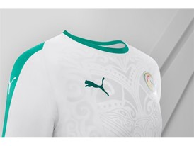18SS_Consumer_TS_Football_WC_ALLWHITE_SENEGAL_DETAIL_03