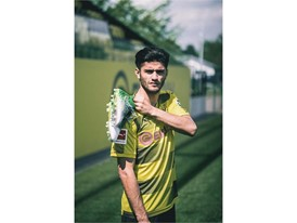 18SS_DIGITAL_IG_TS_FOOTBALL_FUTURE-NEXT_Q2_Dahoud_2