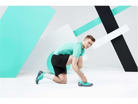 18AW_PR_TS_Football_FUTURE_WC_ACTION1_REUS_0015_RGB.jpg