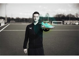 18AW_PR_TS_Football_FUTURE_WC_PORTRAIT1_ONPITCH_REUS_0285_RGB.jpg