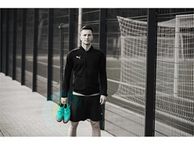 18AW_PR_TS_Football_FUTURE_WC_PORTRAIT2_ONPITCH_REUS_0367_RGB.jpg