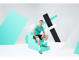 18AW_PR_TS_Football_FUTURE_WC_PORTRAIT6_REUS_0175_RGB.jpg