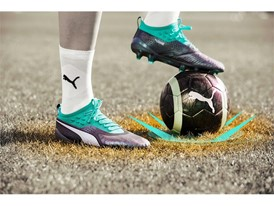 18AW_PR_TS_Football_PUMAONE_WC_PRODUCT1_ON_PITCH_0285_RGB.jpg