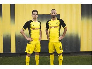 17AW_PR_TS_Football_Q3_Bartra&Toprak_03