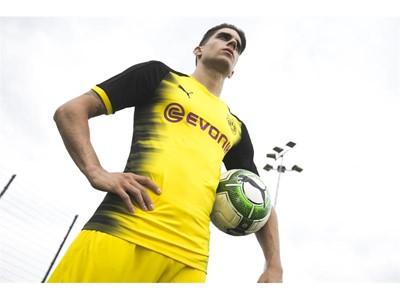 17AW_PR_TS_Football_Q3_Bartra&Toprak_02