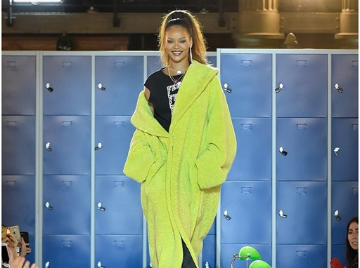 THE AUTUMN WINTER 2017 FENTY PUMA BY RIHANNA CELEBRATED WITH TOP HONORS IN PARIS_Rihanna